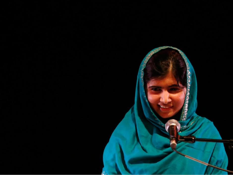 Malala kämpft trotz eines Attentats der pakistanischen Taliban auf sie im vergangenen Jahr weiter für das Recht von Mädchen auf Schulbildung.