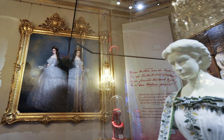 """Auch das wohl bekannteste Sisi-Portät hängt im Museum in der Wiener Hofburg: """"Kaiserin Elisabeth in Abendtoilette, 1865"""" von Franz Xaver Winterhalter."""
