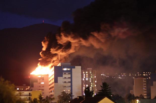 Das gesamte Gebäude musste rasch evakuiert werden.