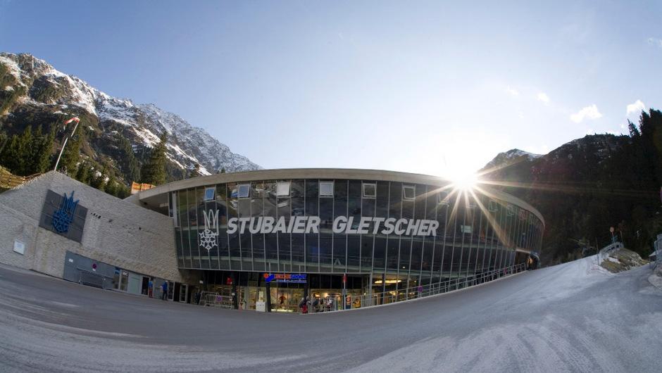 """Die Tiroler Landesregierung macht's möglich: die Verlegung der Talstation am Stubaier Gletscher.<span class=""""TT11_Fotohinweis"""">Foto: Stubaier Gletscher</span>"""