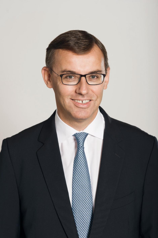 """Alain Favey leitet die Porsche Holding mit Sitz in Salzburg.<span class=""""TT11_Fotohinweis"""">Fotos: Werk</span>"""