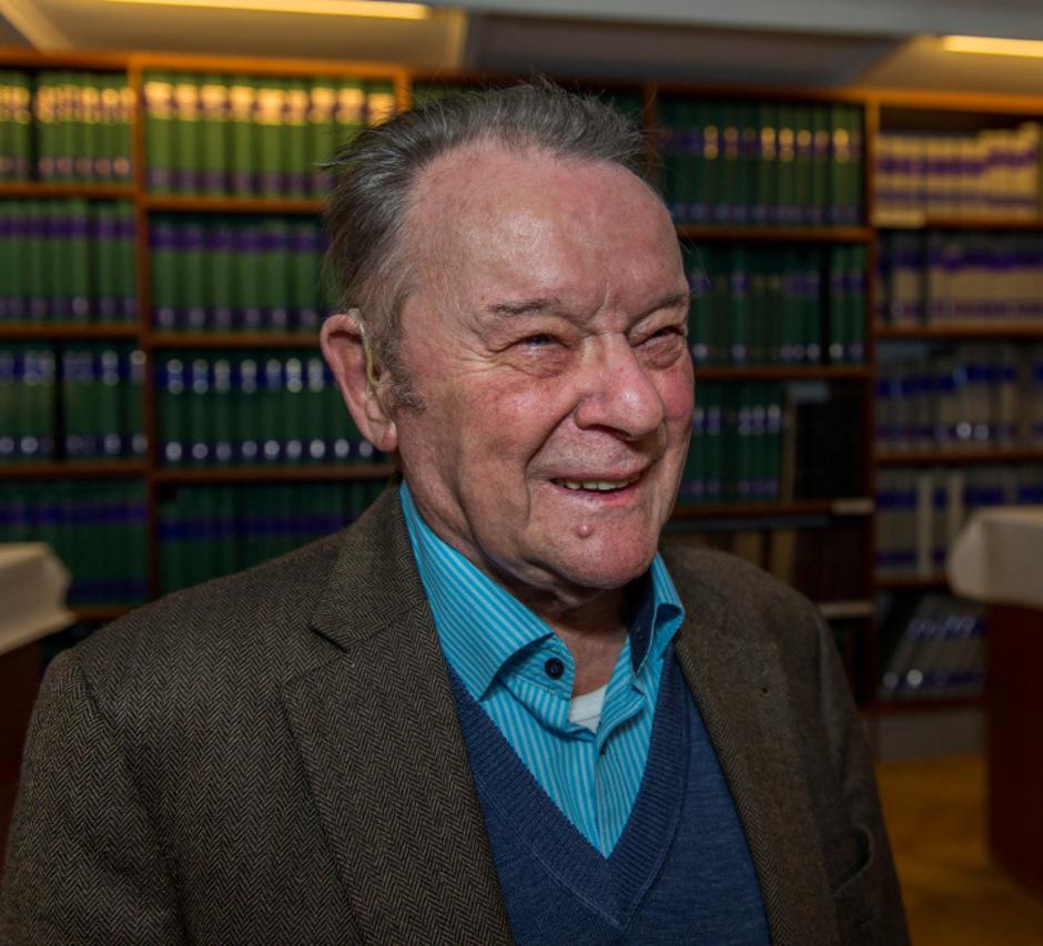 Franz Trebo, geboren 1926 in Enneberg im Gadertal. Er lebt in Innsbruck.