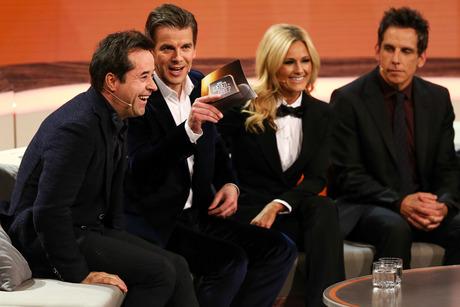 Markus Lanz begrüßte unter anderem Schauspieler Jan Josef Liefers, Sängerin Helene Fischer und US-Schauspieler Ben Stiller (v.l.).