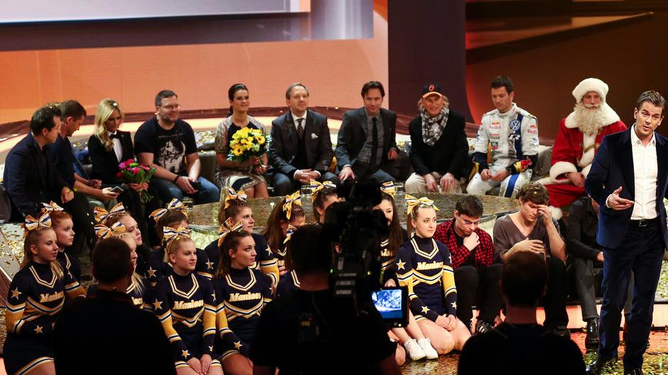"""Mit Rückblenden und altbekannten Gästen hat das ZDF am Samstagabend in Nürnberg das """"Wetten, dass..?""""-Finale gefeiert."""