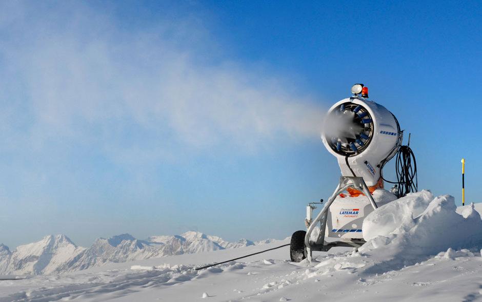 In Österreich laufen die Schneekanonen immer länger.