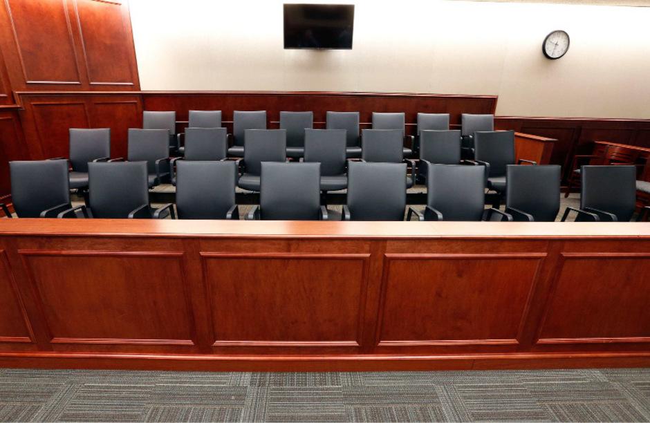 Die Geschworenen haben ihre Plätze nach dem Urteil verlassen.
