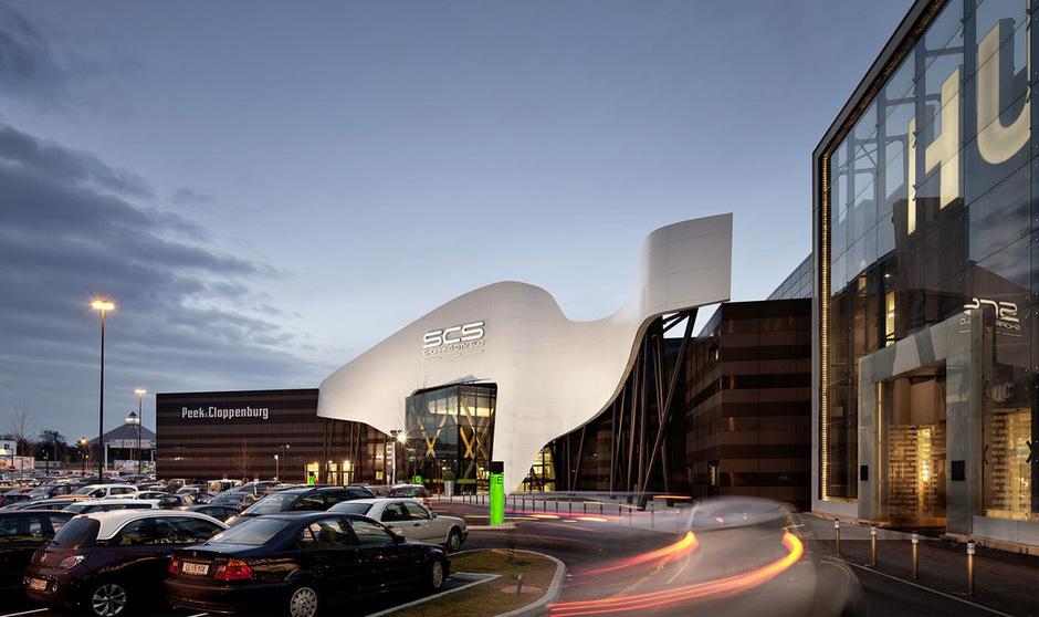 Auch Österreichs größter Einkaufstempel, die Shopping City Süd (SCS) in Vösendorf bei Wien, wurde von ATP innen und außen neu geplant.