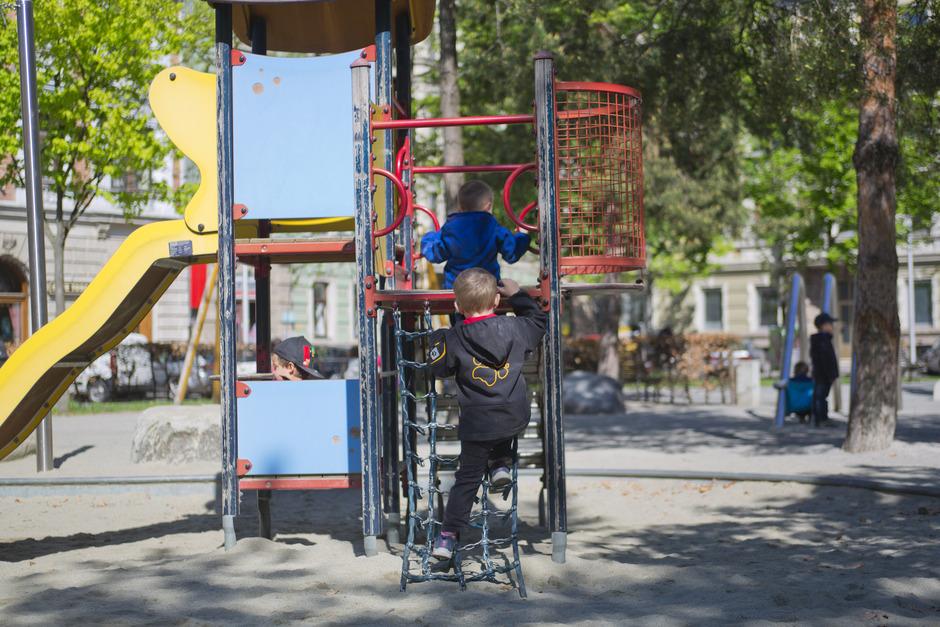 (Symbolbild) Spielplatz am Innsbrucker Adolf-Pichler-Platz.