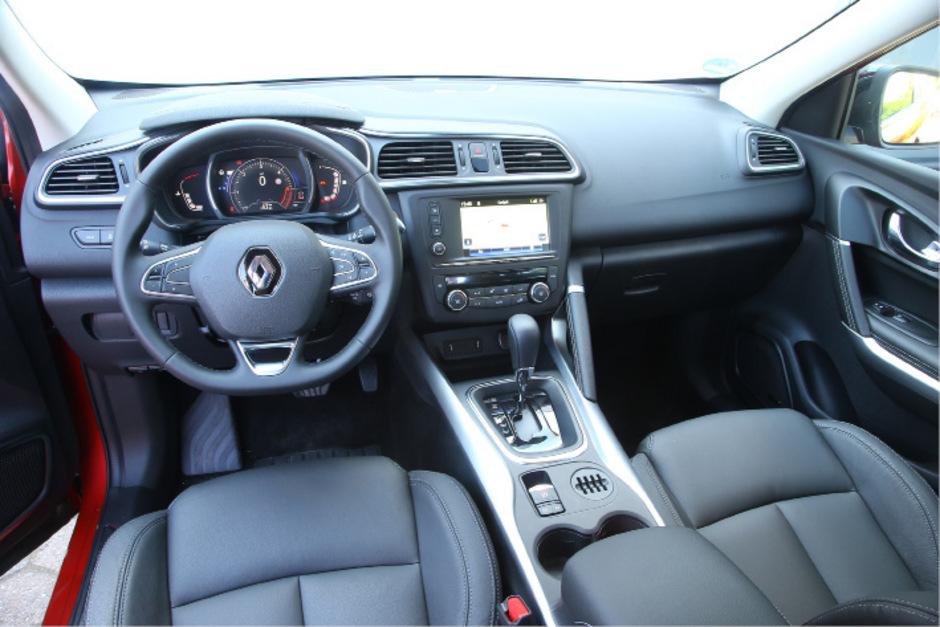 """Ab nächster Woche verkaufen Renault-Händler das Kompakt-SUV Kadjar, zumeist als Fronttriebler, auf Wunsch gibt es den 130-PS-Diesel mit Allradsystem.<span class=""""TT11_Fotohinweis"""">Fotos: Höscheler, Hersteller, AMP</span>"""