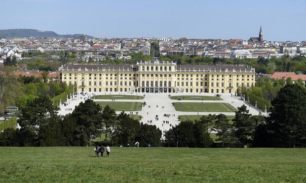 Schloss und Gärten von Schönbrunn (1996)