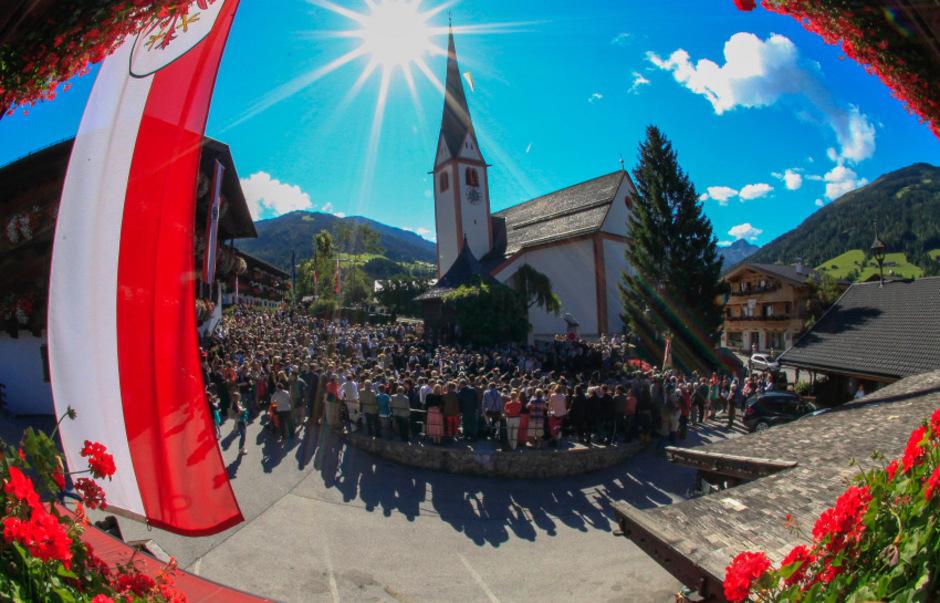 Nicht nur Europa trifft sich in Alpbach. Die kleine Welt im Tiroler Bergdorf beleuchtet die großen Probleme der Gesellschaft.