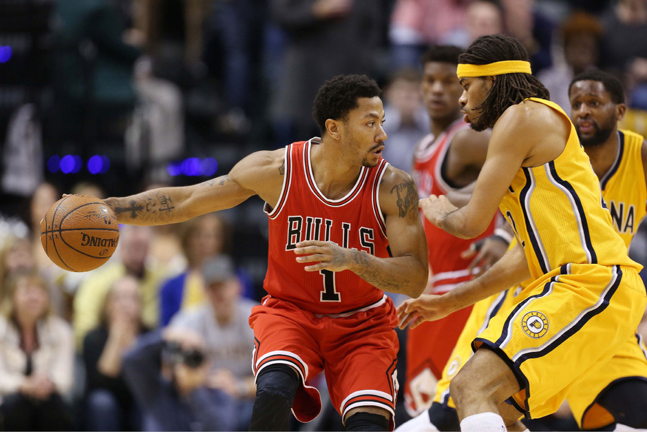 Derrick Rose (l.) wird den Chicago Bulls länger fehlen.