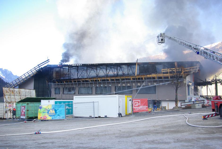 Am Tag nach dem Brand bot sich ein zerstörtes Bild der Talstation.