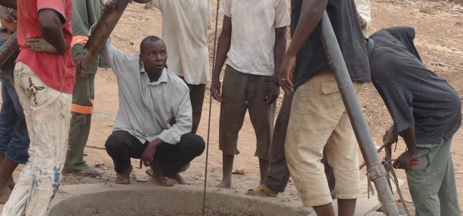 Hasimiyou Niang ist einer der besten Brunnenbauer in Mali. Mit Hilfe der Caritas Tirol werden pro Jahr acht bis zehn neue Brunnen in den entlegensten Dörfern gebaut.