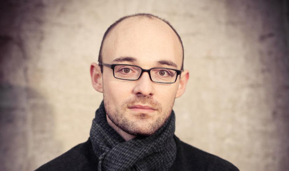 """""""Literatur muss sich den dringlichen Themen der Zeit widmen"""", sagt Autor und Jurist Daniel Zipfel."""