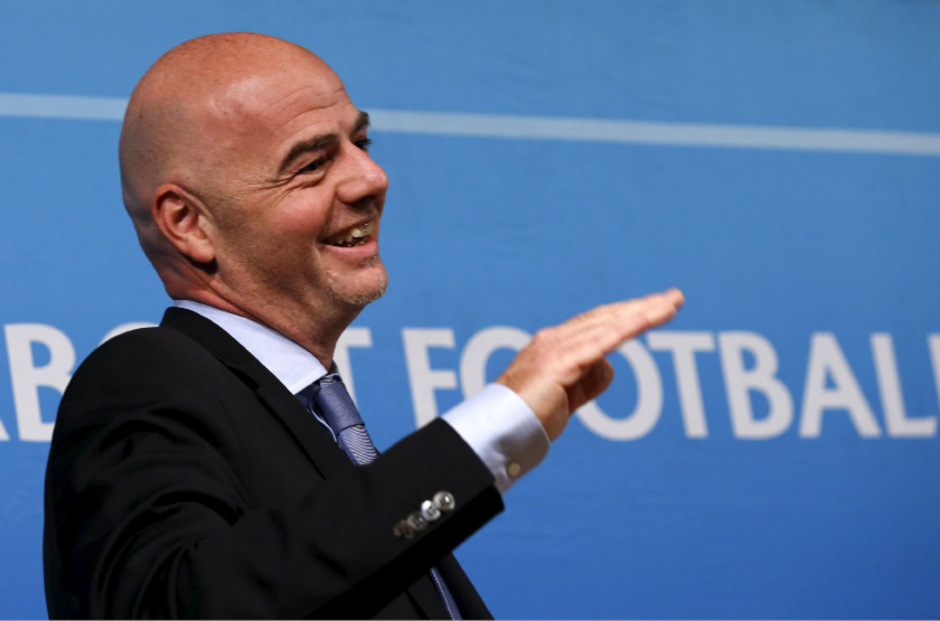 UEFA-Generalsekretär Gianni Infantino darf sich über Unterstützung aus Südamerika freuen.