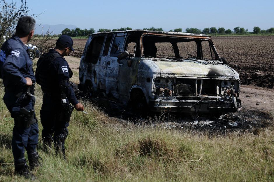 Der Kleinbus der beiden Australier war am Wochenende ausgebrannt im nordwestmexikanischen Sinaloa entdeckt worden.