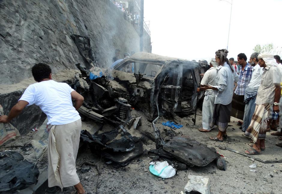 Das Auto wurde bei dem Anschlag völlig zerstört.