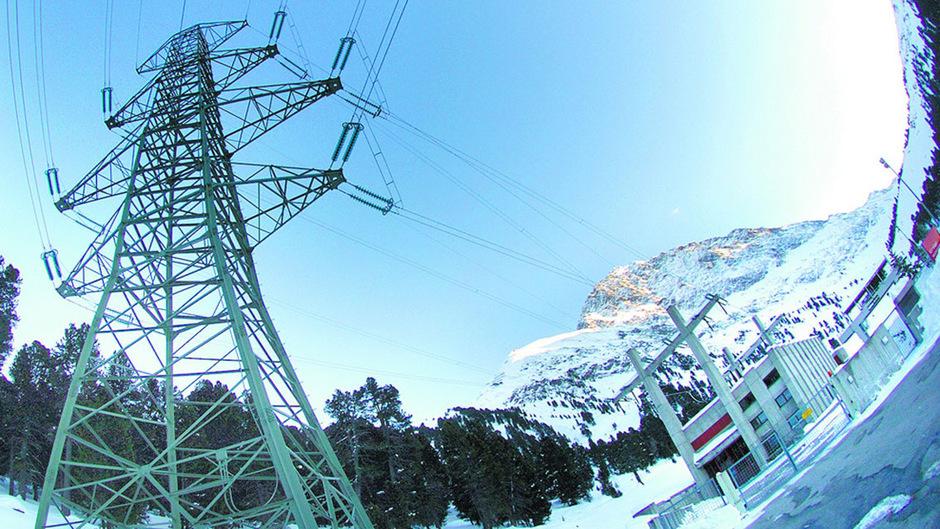 Nach Angaben aus Sicherheitskreisen könnten im schlimmsten Fall Kraftwerke und Leitungsnetze lahmgelegt werden.