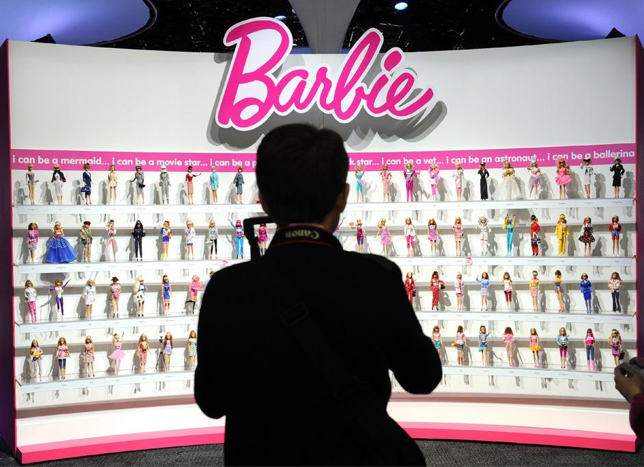 """Die vernetzte """"Hello Barbie"""" kann sich mit den Kindern unterhalten."""