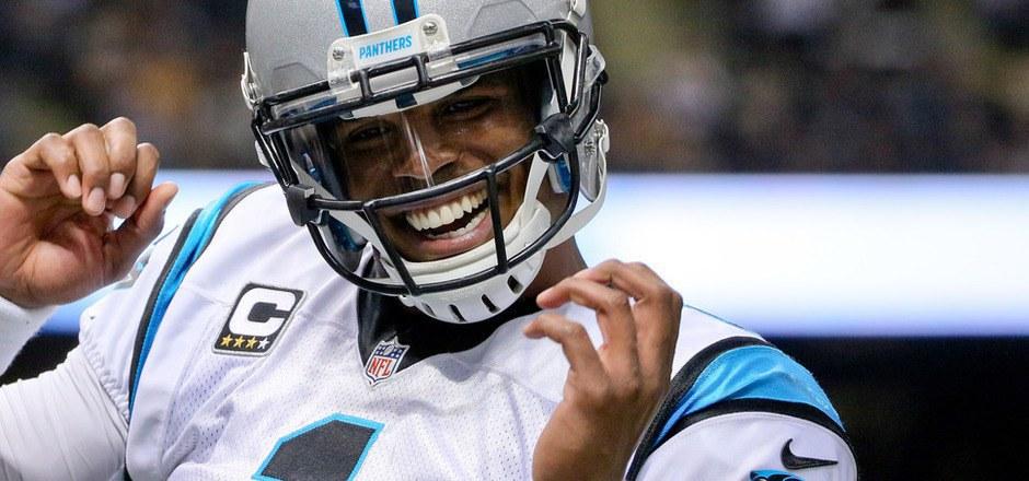 Panthers-Quarterback Cam Newton warf gleich fünf Touchdown-Pässe.