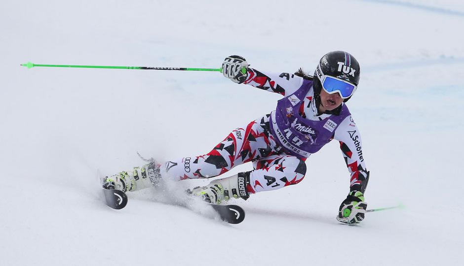 Stephanie Brunner carvte im Europacup zum Sieg.