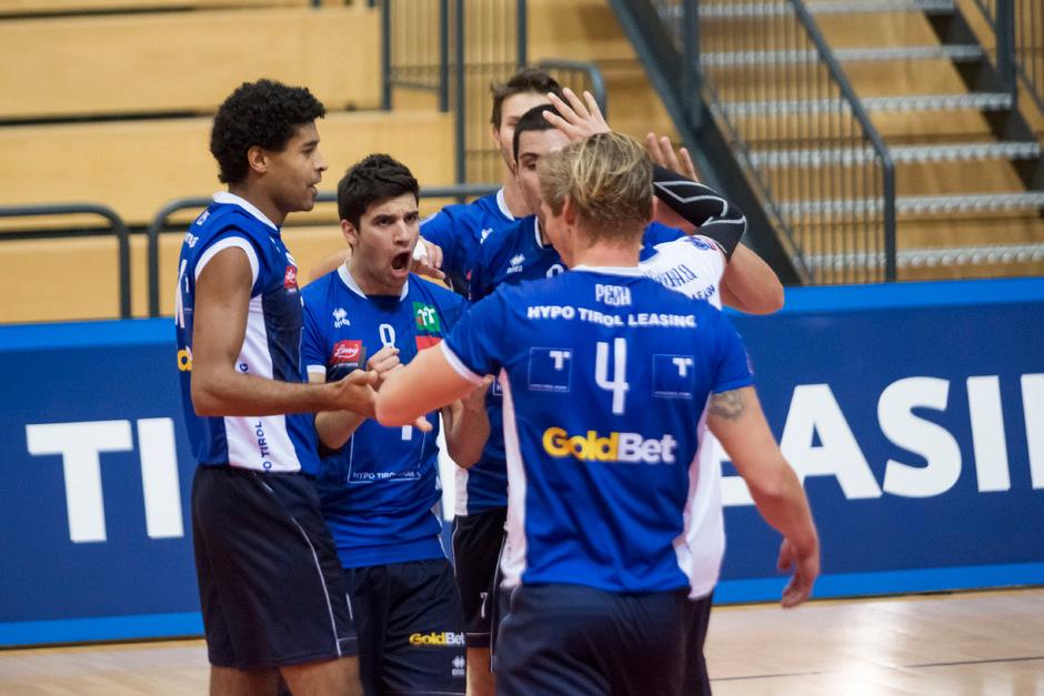 Nach dem neunten Sieg im neunten Spiel der Austrian Volley League durften die Hypo Tirol Volleyballer wie gewohnt jubeln.