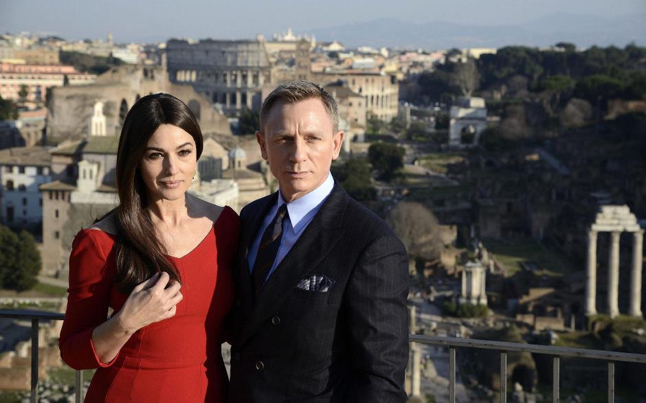 Hauptdarsteller Daniel Craig und Bond-Girl Monica Bellucci bei einem Fototermin in Rom.
