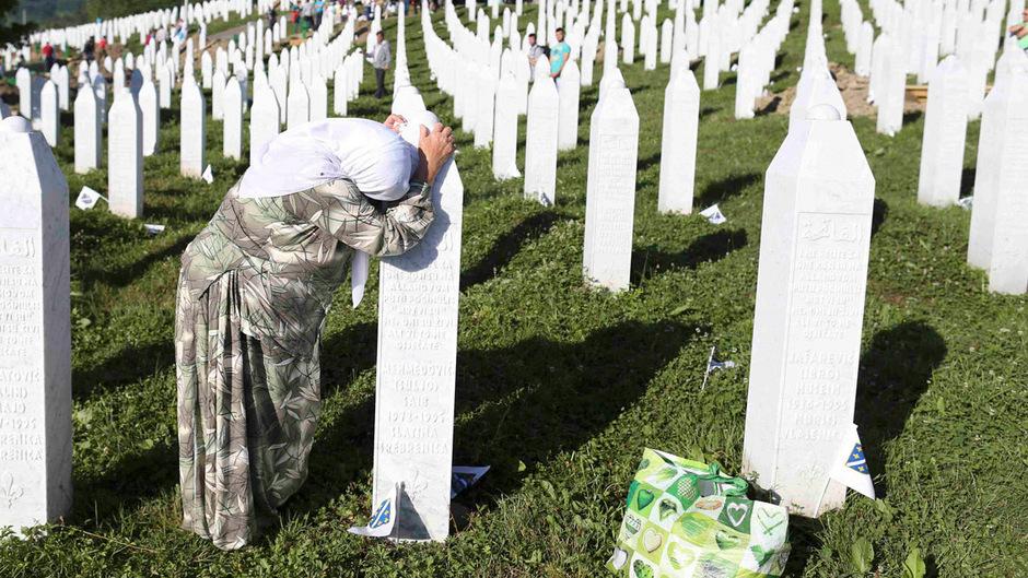 Die Gedächtnisstätte Potocari wurde in Andenken an die Opfer des Srebrenica-Massakers geschaffen.