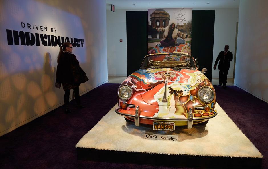 Das 365C Cabriolet der Sängerin Janis Joplin aus dem Jahr 1965 brachte am Donnerstagabend (Ortszeit) in New York 1,76 Millionen Dollar (1,6 Millionen Euro).