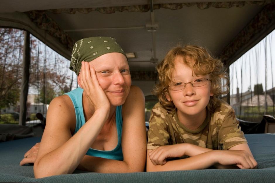 Gemeinsam schwere Zeiten zu bewältigen, schweißt Mütter und Kinder zusammen. (Symbolfoto)