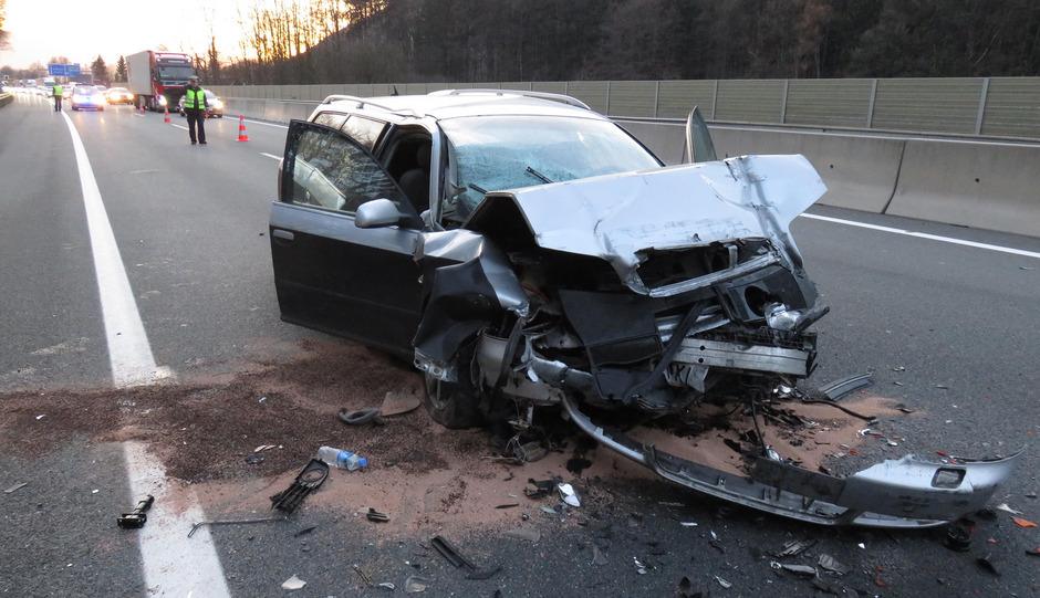 Am Auto entstand erheblicher Sachschaden.