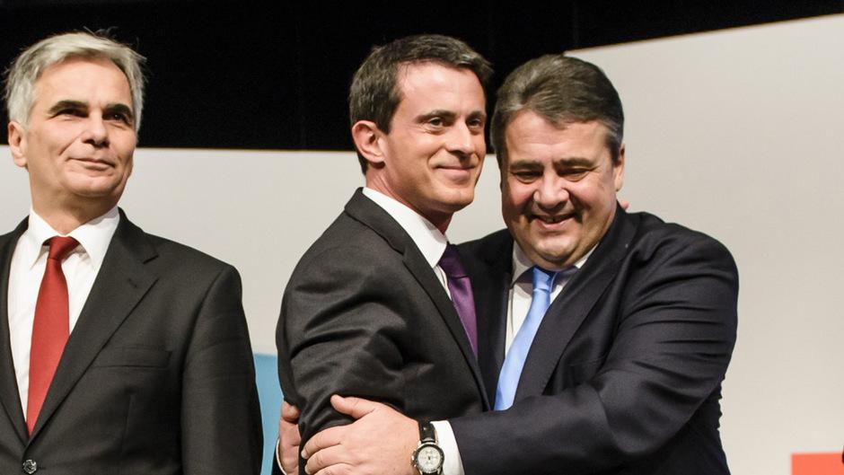 Kanzler Faymann, Frankreichs Premier Valls und SPD-Vorsitzender Gabriel (v.l.) in Berlin.