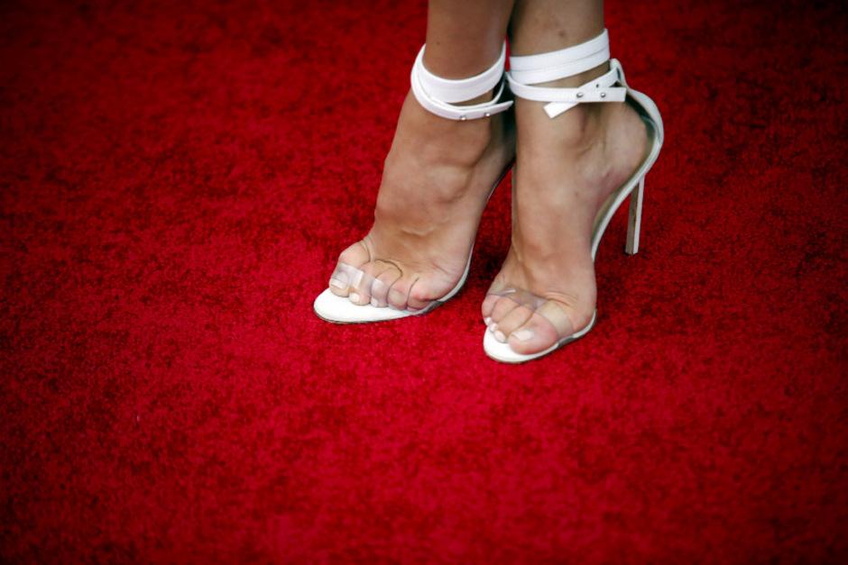 0c00fd119f4343 So weit die Füße tragen  Wenn High Heels und Pantoffeln schaden ...