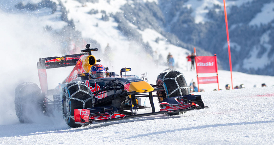 Formel-1-Fahrer Max Verstappen und Red Bull wurden nach dem Streif-Spektakel von der Bezirkshauptmannschaft disqualifiziert.