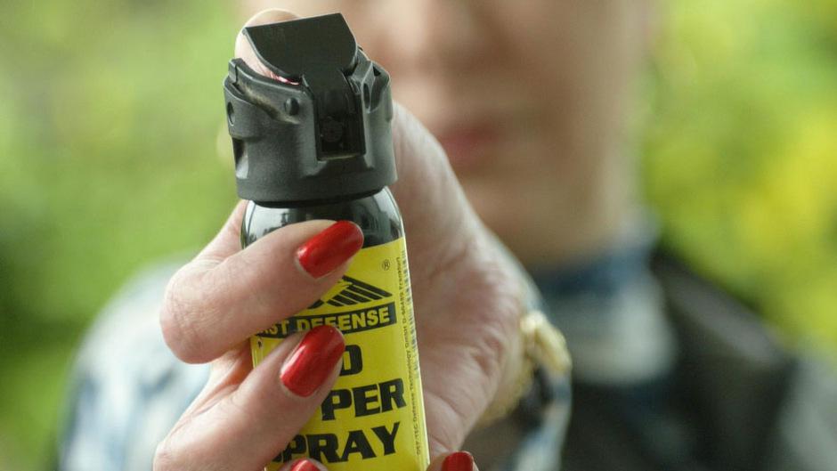 Pfeffersprays finden in Tirol reißenden Absatz. Sie gelten als minderwirksame Waffen.