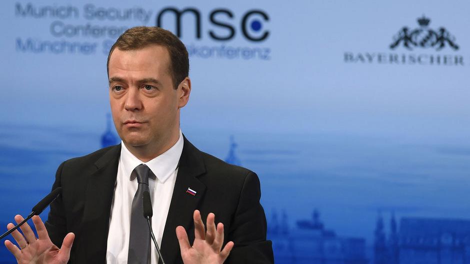 """Russlands Ministerpräsident Dmitri Medwedew analysierte die aktuelle weltpolitische Lage als """"neuen Kalten Krieg""""."""