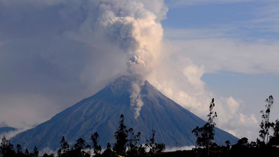 Der Vulkan Tungurahua in Ecuador.
