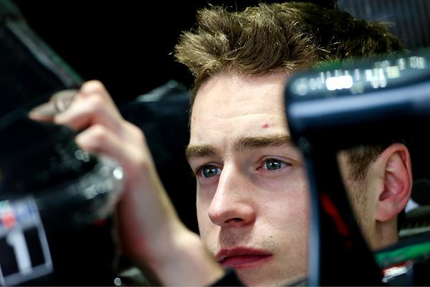 Ersatzfahrer Steffel Vandoorne feiert sein Renn-Debüt für McLaren.