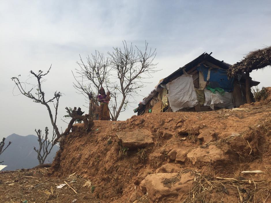 Ein Jahr nach dem verheerenden Erdbeben liegt in den betroffenen Gebieten Nepals noch vieles im Argen. Der Wiederaufbau wird noch Jahre dauern.