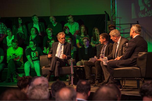 Alexander Van der Bellen und Norbert Hofer im Gespräch mit Wolfgang Böhm (Presse) und Mario Zenhäusern (TT).