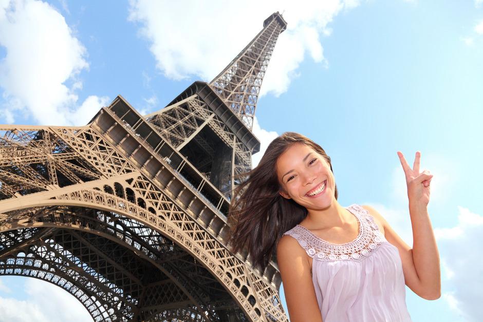Die Sightseeing-Tour kann sich vor allem für Frauen schnell zum Mode-Defilée entwickeln. Denn Pariserinnen legen sehr viel Wert auf Kleidung.