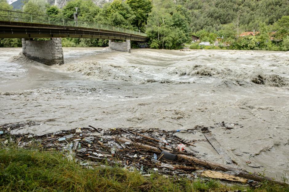 Um den Hochwasserschutz voranzutreiben, brauche es die Zusammenarbeit der Gemeinden, sagt LHStv. Josef Geisler.