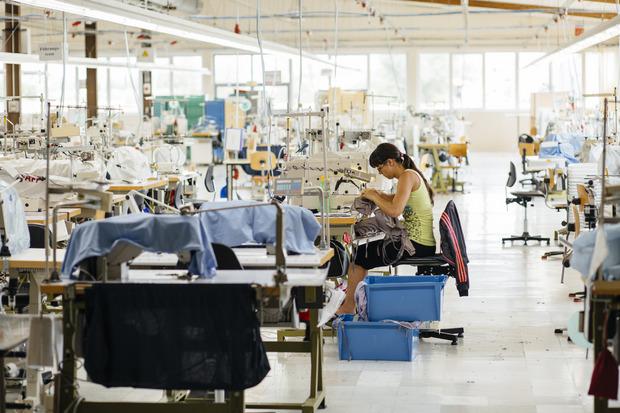 Heinz Stephan Tesarek wurde für eine Aufnahme vom letzten Arbeitstag im Werk des Wäscheherstellers Triumph in Oberwart in der Kategorie Wirtschaft ausgezeichnet.