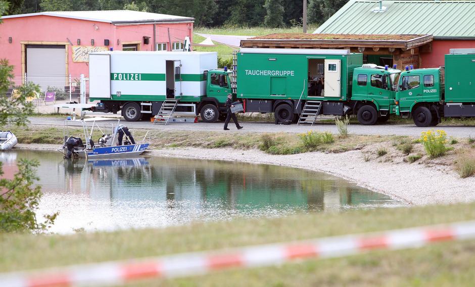 Die Polizei fand in dem Leipziger Badesee Leichenteile von zwei Mordopfern.