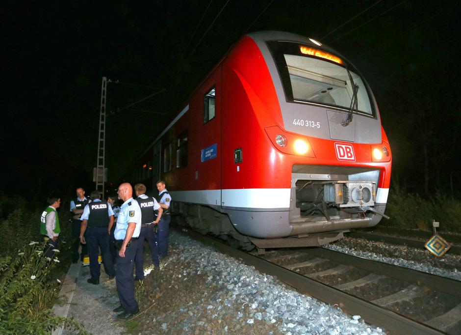 Ein 17-jähriger Afghane hatte am 18. Juli in dem Regionalzug nach Würzburg Reisende angegriffen und mehrere Menschen lebensgefährlich verletzt.