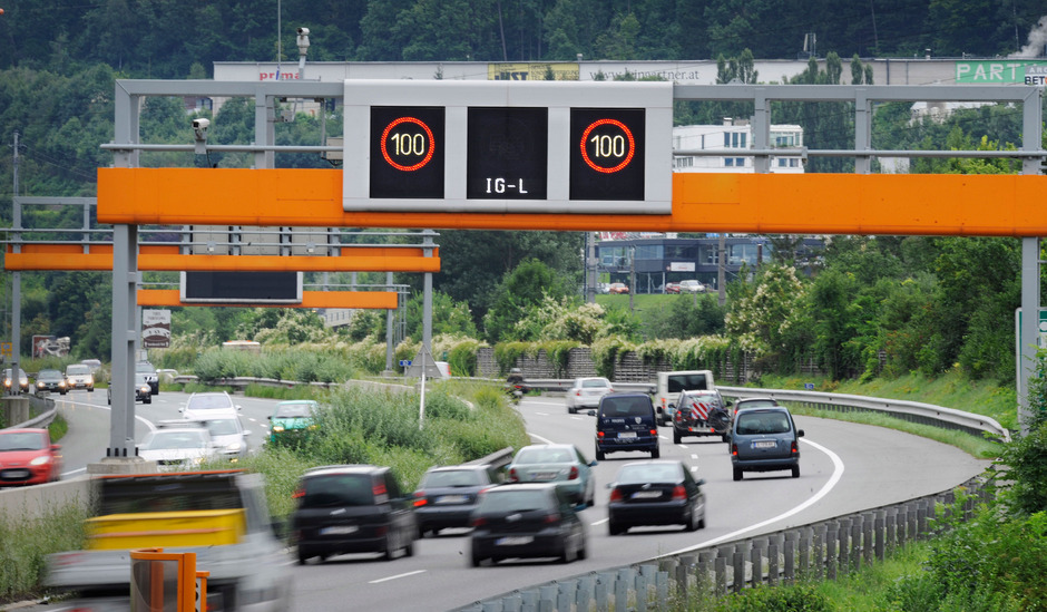 "Kommt das sektorale Fahrverbot nicht, will LH Günther Platter über Tempo 100 wieder nachdenken. Das ""Tauschgeschäft"" ärgert Impuls.<span class=""TT11_Fotohinweis"">Böhm</span>"