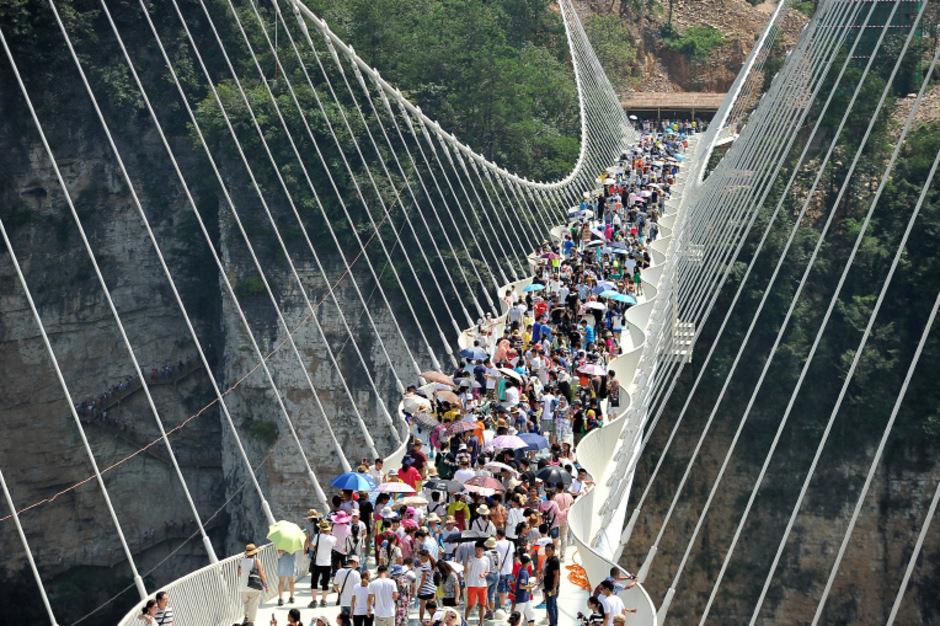 Maximal 800 Besucher dürfen die Brücke gleichzeitig betreten.