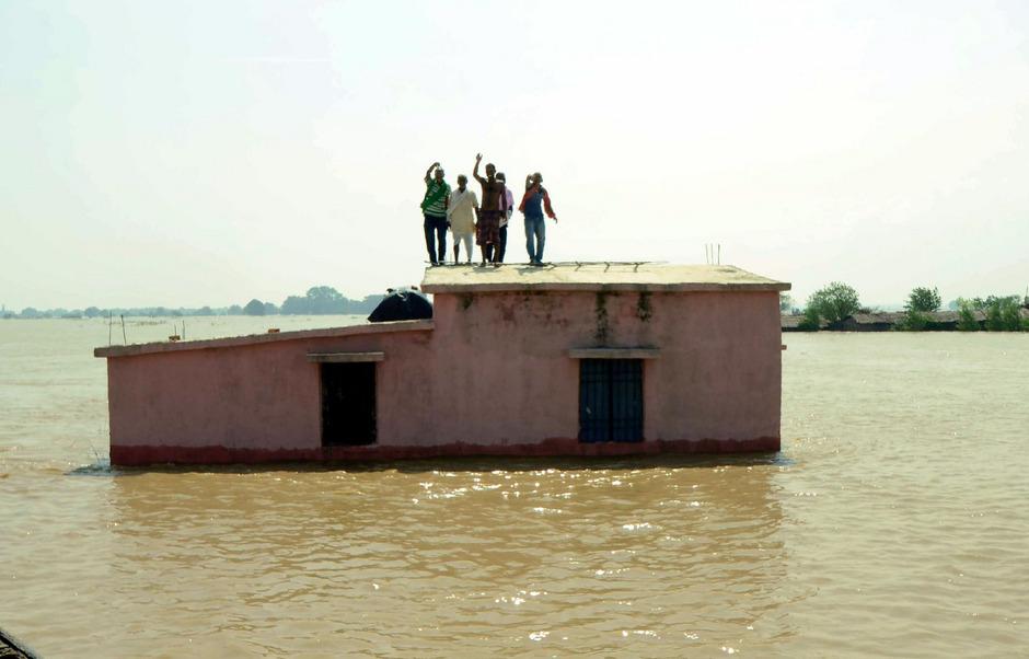 Auch für die kommenden Tage warnt die indische Wetterbehörde vor heftigem Regen.