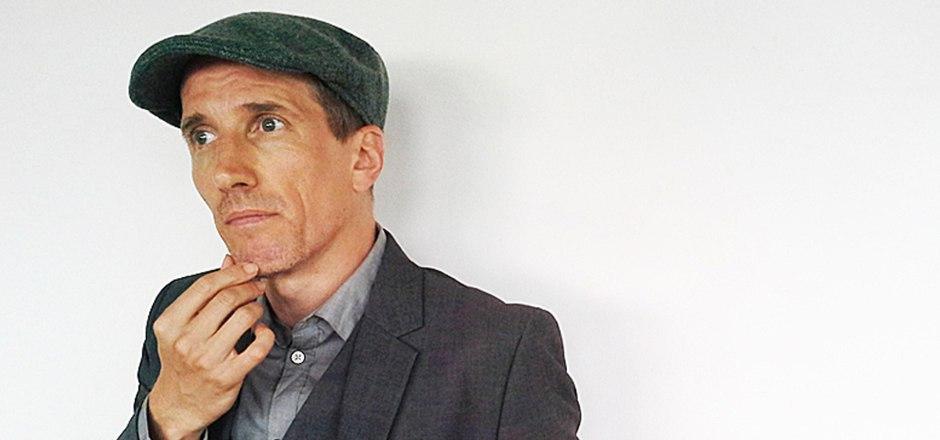 Der in Innsbruck geborene Autor und Musiker Hans Platzgumer hat Chancen auf den mit 25.000 Euro dotierten Deutschen Buchpreis.